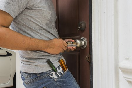 Locksmith Key Shop Key Biscayne, FL 305-744-5776